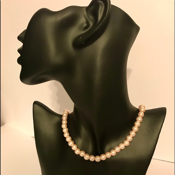Jewelry - Faux pearl necklace,pink